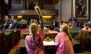 Is een verplicht bezoek aan Tweede Kamer nuttig?